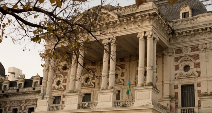 La FEB mete más presión contra la idea de desdoblar el pago del aguinaldo