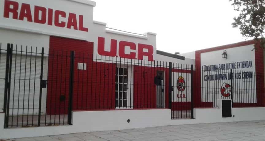 LOS TOLDOS | Asumieron las nuevas autoridades de la UCR