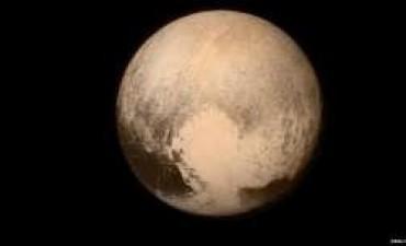 Por qué Plutón dejó pasmados a los científicos