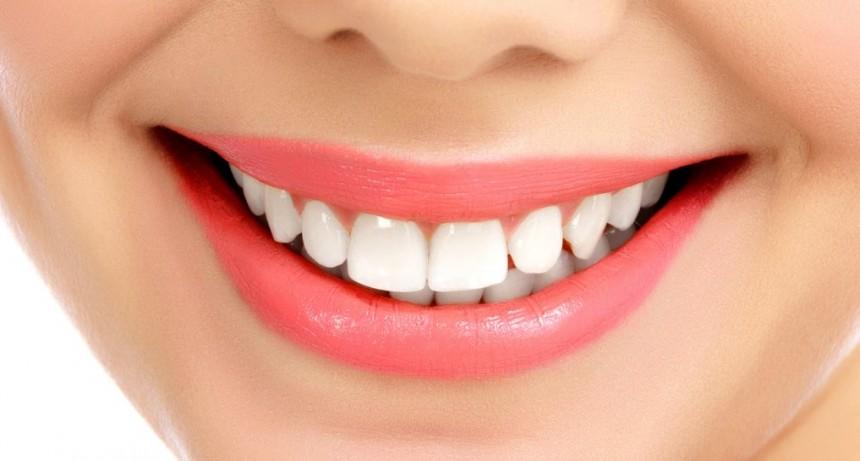 Desarrollaron una técnica forma más segura para blanquear los dientes