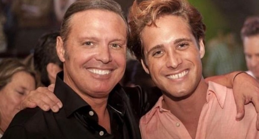 La productora de la serie de Luis Miguel niega que esté confirmada una segunda temporada
