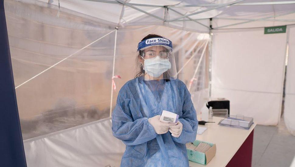 Colocaron una carpa para ordenar el ingreso a la guardia del Hospital
