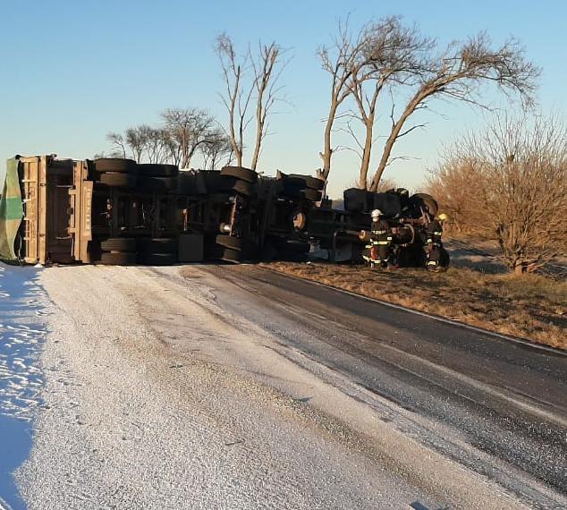 """Accidente 2 - Vuelco Ruta Pcial. 65 altura inmediaciones predio rural denominado """"LOS LIBRES"""