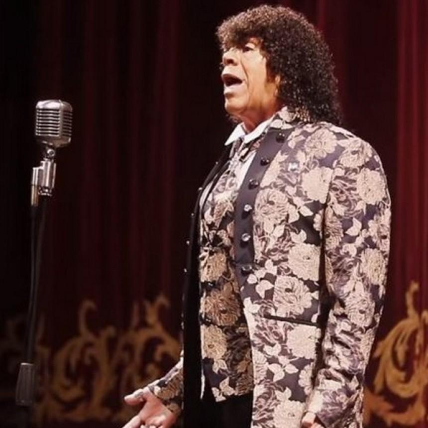 """""""La Mona"""" Jiménez estrenó su versión cuarteto del Himno Nacional"""