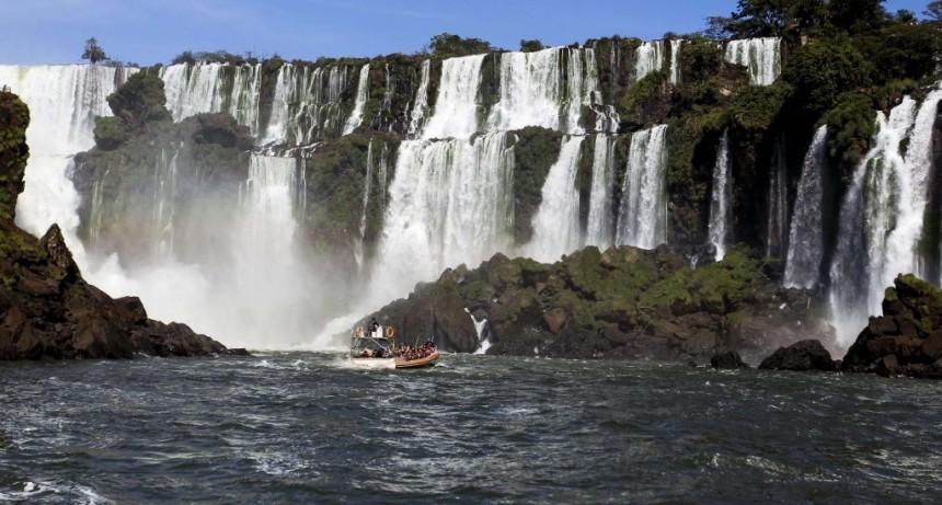 Tras 117 días cerradas, las Cataratas del Iguazú reabrieron para el turismo interno