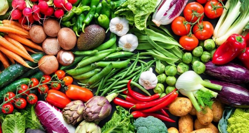 Cuáles son las cinco verduras y frutas más consumidas por los argentinos