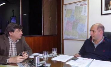 El Intendente Dr. Javier Carlos Mignaquy, recibió en su despacho la visita del Intendente de Rivadavia Contador Sergio Buil.