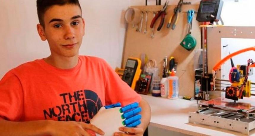 ¡Orgullo argentino! Fabrica prótesis de manos con su impresora 3D