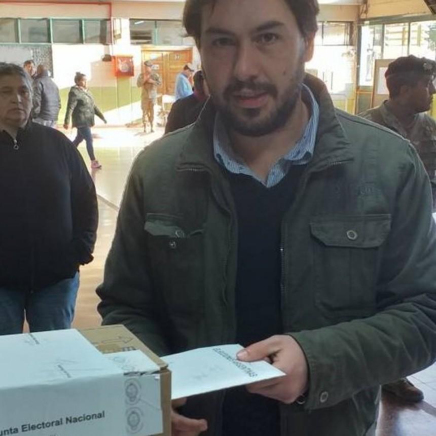Alan Garatte, emitio su voto bien temprano