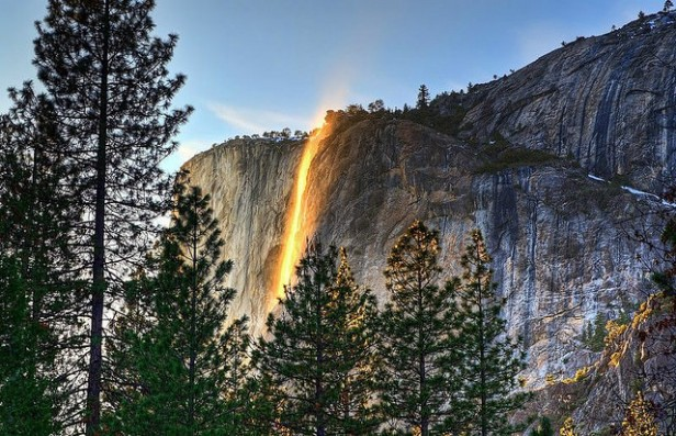 La conocías? La Cascada de Fuego, un increíble espectáculo natural