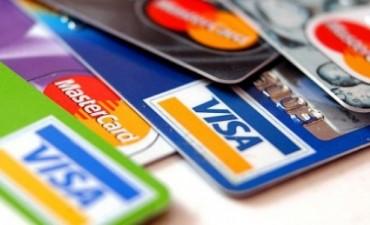 Encontraron tarjetas de debito e hicieron compras por cerca de $ 3000