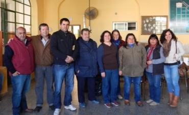 El Sr. Hugo Curto, intendente del partido de Tres de Febrero, visitó la EP Nº 5 de Zavalìa