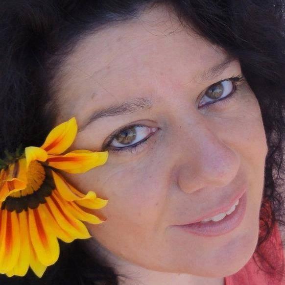 ADRIANA RIUS, en busca de tu felicidad
