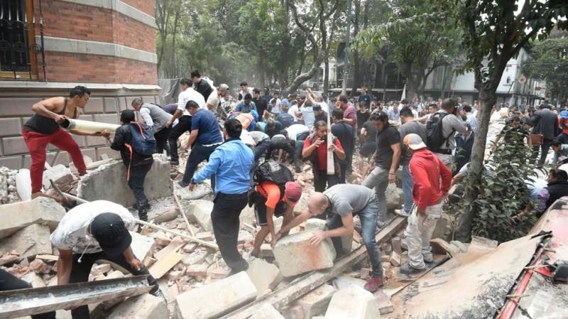 Al menos 40 muertos por el fuerte terremoto de magnitud 7,1 que ha vuelto a sacudir México