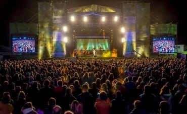 "Soledad cautivó al público en la segunda jornada del festival ""Cultura Campo"