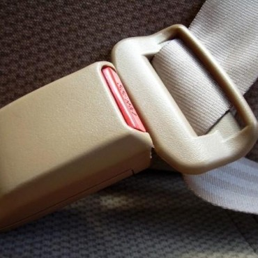La importancia de usar el cinturón de seguridad.