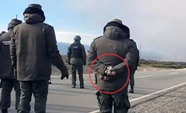 Maldonado: una foto muestra que los gendarmes usaron piedras