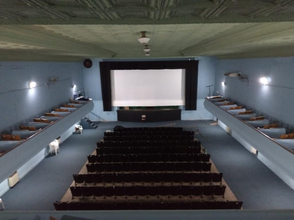 Vuelve el cine! Una sala totalmente renovada con tecnología de ultima generación
