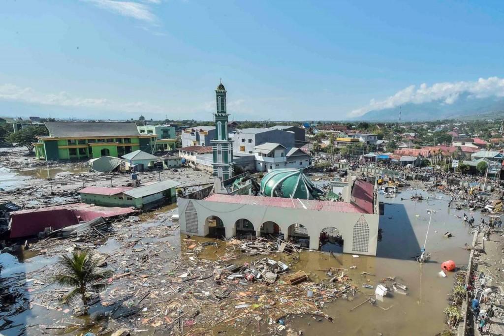 Catástrofe en Asia. Dramáticas fotos del tsunami en Indonesia: 832 muertos
