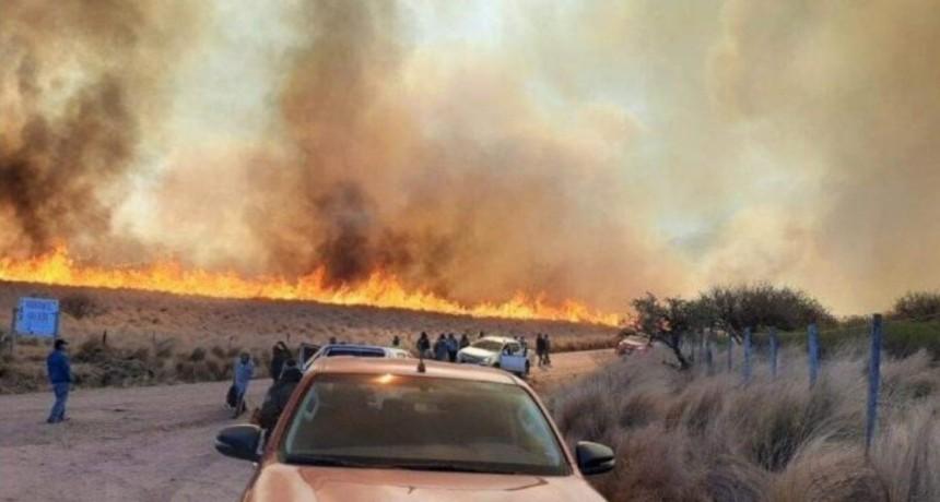 Alerta extrema: combaten incendios en Carlos Paz y Unquillo