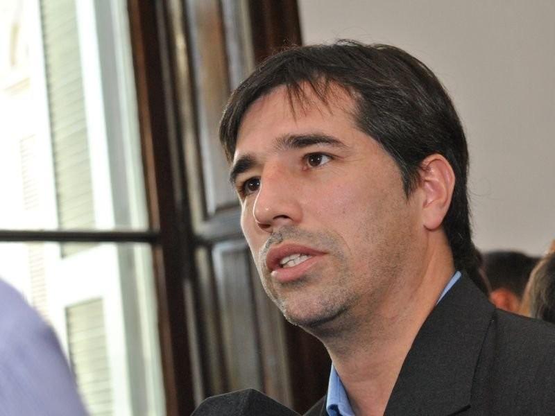 Flexas: «Quienes dirigen las propuestas de la provincia deben ser bonaerenses»