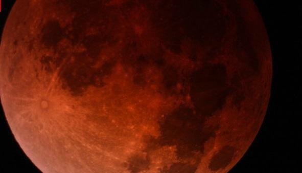 La luna de sangre regresará el 8 de octubre y esta vez será más grande