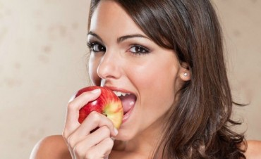 Comer manzanas incrementa el placer sexual en las mujeres