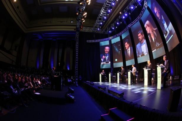 Màs de 2 millones de personas vieron el primer debate presidencial