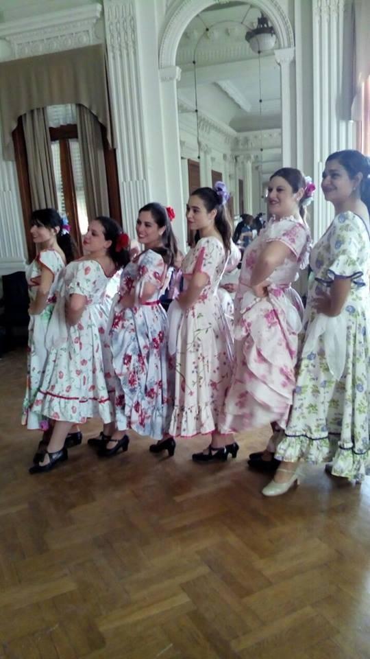Conjunto Huilen deslumbró con sus danzas en la fiesta del caballo en Bragado