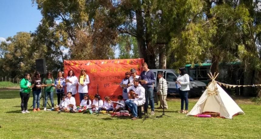 La comunidad educativa de la E.P. N°18 y 22 realizaron un acto con motivo de la diversidad cultural