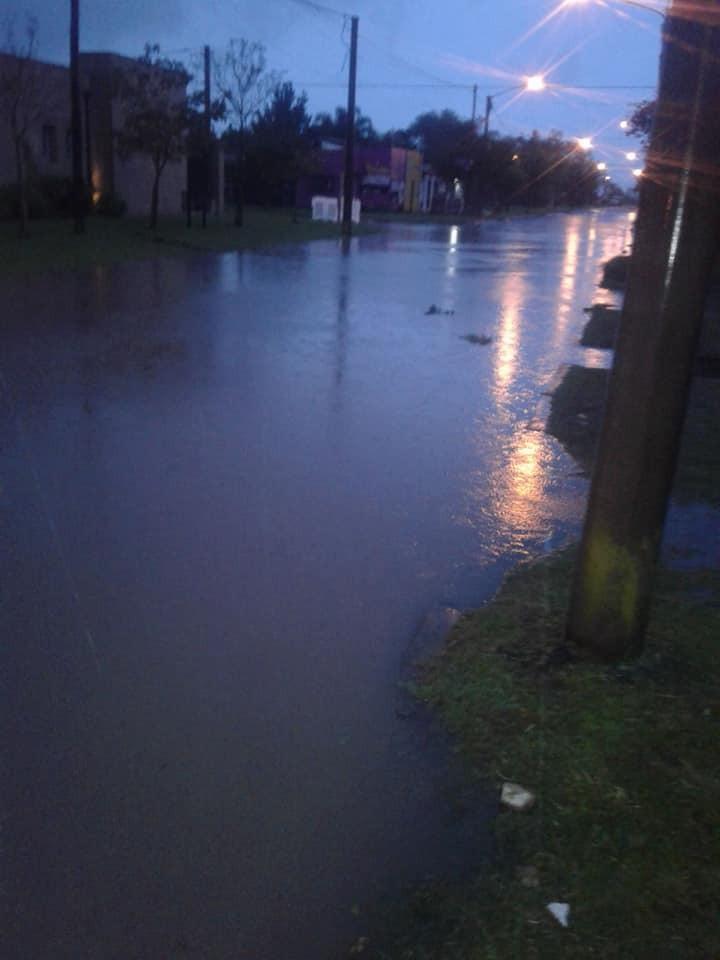 El registro de lluvia en el distrito fue importante. Trabajó Bomberos Voluntarios