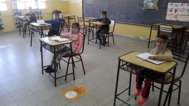 AMEGHINO | Con distanciamiento social y jornadas reducidas, los chicos regresaron a las aulas