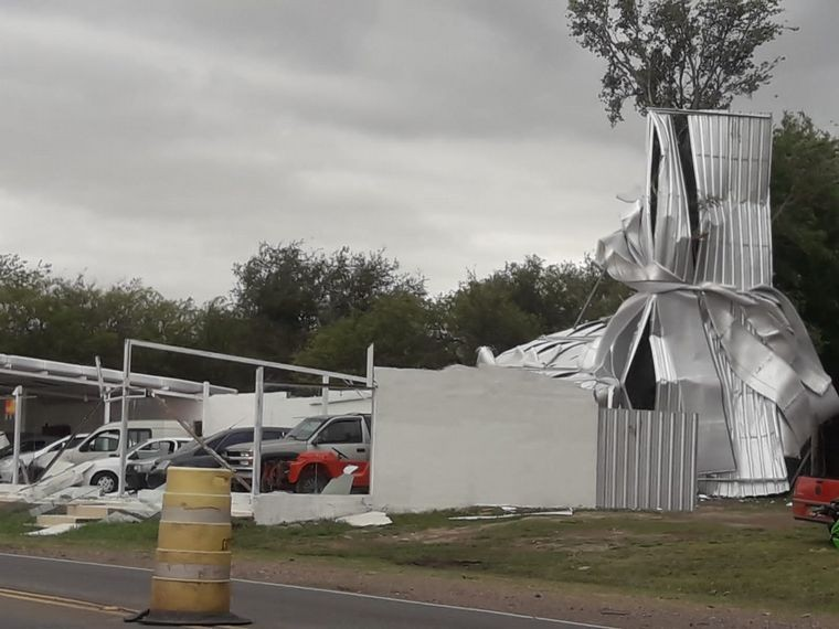 La furia de la naturaleza | Destrozos e inconvenientes por el fuerte viento en Córdoba
