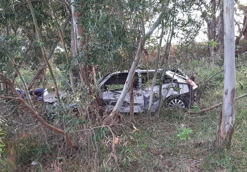 Tres jóvenes nuevejulienses fallecen cuando el automóvil en que se movilizaban impacta contra arboles a la vera de ruta 65