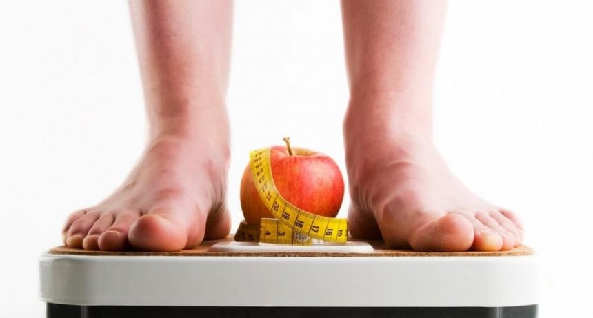 HABLEMOS de NUTRICION: LIC NADIA LINGOR | Hoy hablaremos del peligro de las dietas de moda