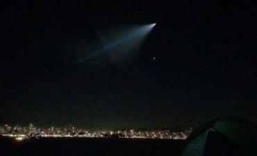 Pánico en EE.UU. por una luz en el cielo que terminó siendo un misil