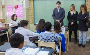 """Flexas: """"Mejorar la educación es un desafío de todos"""""""