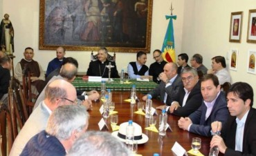 Monseñor Ariel Torrado Mosconi se reunió con intendentes de la región. Entre ellos, asistiò el Dr. Franco Flexas
