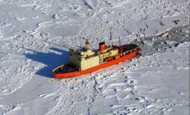 El rompehielos Almirante Irízar superó con éxito las últimas pruebas y será la nave insignia de la próxima Campaña Antártica