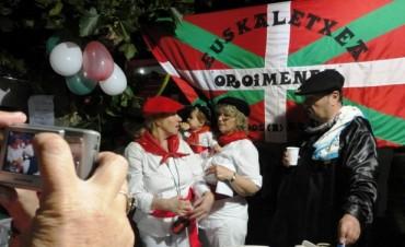 Con bailes y comidas típicas se vivió la Fiesta de Colectividades