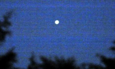 Una luz se vio en el amanecer de tamaño mayor al de Venus