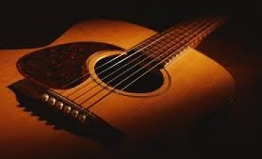 Clínica de guitarra en Los Toldos, serà èste viernes.