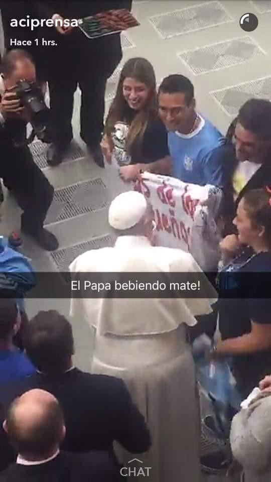 Francisco recibió a jóvenes de Baigorrita y Bragado en El Vaticano