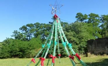 Vuelve el arbolito de Navidad a San Emilio!