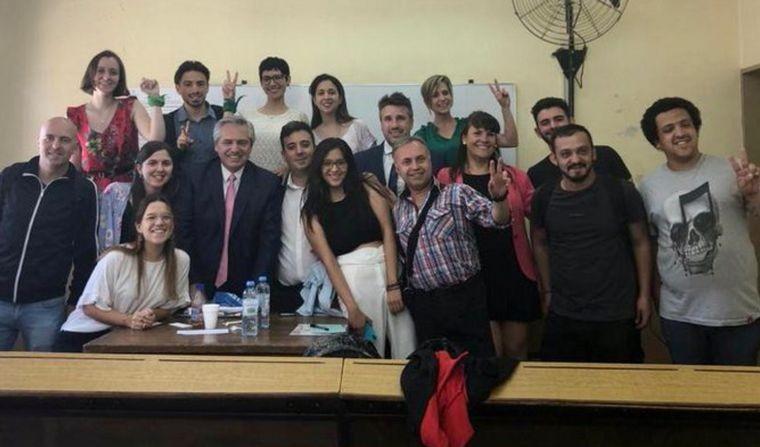Presidente y docente  Tras los exámenes, Fernández dijo que