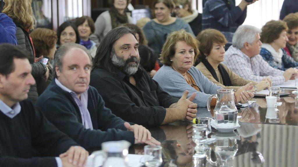 La Provincia convocará a paritarias a los docentes en enero