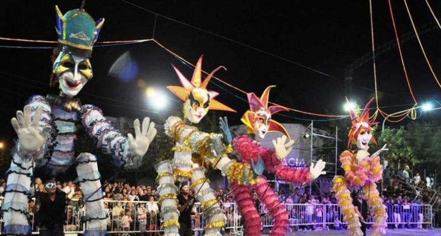 Ulises Bueno y Los Auténticos Decadentes se presentan en el Carnaval de Lincoln
