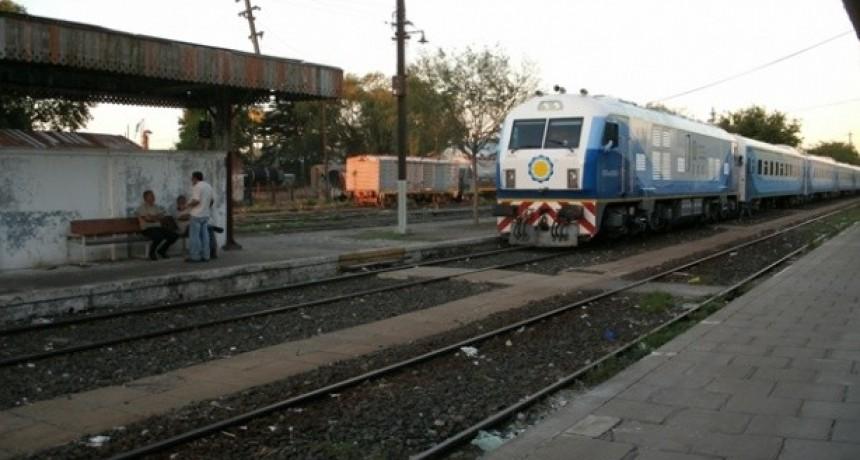 Verifican las vías férreas, para incrementar las frecuencias del tren de pasajeros de Retiro a Junín
