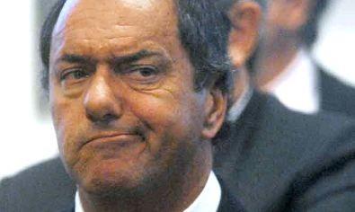 La justicia ordena a Daniel Scioli a cumplir con el aguinaldo en un pago