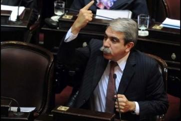 Fernández justificó la salida de presos